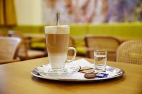 Jídelna s kavárnou
